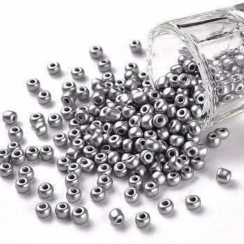 Granos de semilla de vidrio de pintura para hornear, plata, 6/0, 4~5x3~4mm, agujero: 1~2 mm, aproximamente 4500 unidades / bolsa