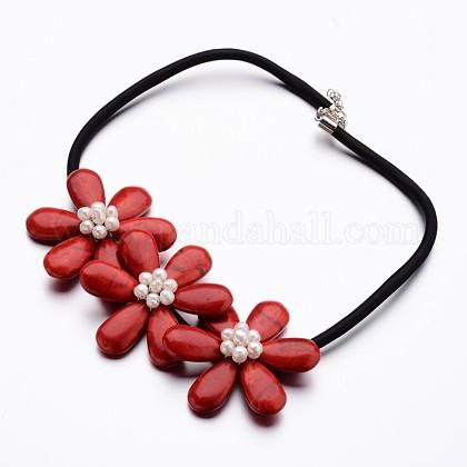 Collares llamativos con babero de flores de howlita natural teñidoNJEW-I201-04C-1
