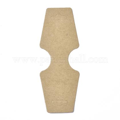 Tarjetas colgantes de cartón plegado sobre papelCDIS-E007-13-1
